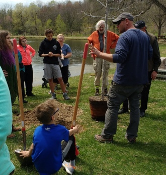 Arborist Mike Hott of Harrisonburg Parks and Rec gave us some tree planting pointers.